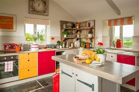 Are Red And Yellow Kitchens Conducive To Cooking?