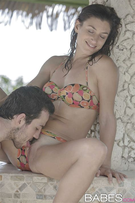 Wet Milf Julia Roca Shedding Bikini Before Giving And Receiving Oral Sex