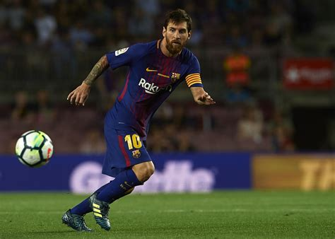 Barcelona chief says agreement with Lionel Messi is 'total ...