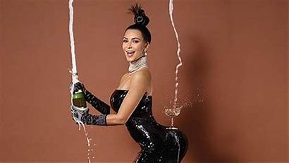 Kardashian Kim Butt West Kanye Pupa Mtv