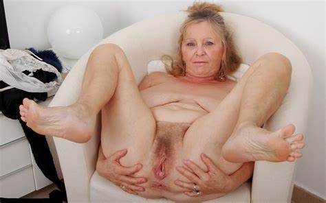 Ukrainian Grandma Vikki With Her Saggy Bodies Finge