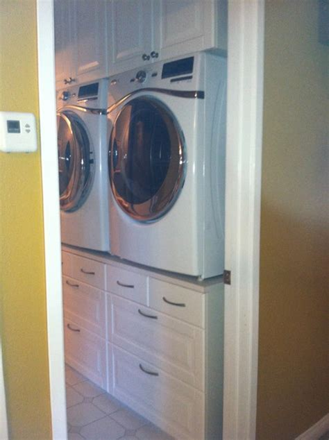 Washer/Dryer Stand   Traditional   Laundry Room   San Diego