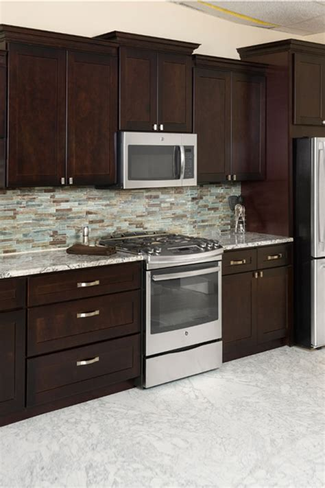 pictures of espresso kitchen cabinets espresso shaker heritage classic cabinets 7451
