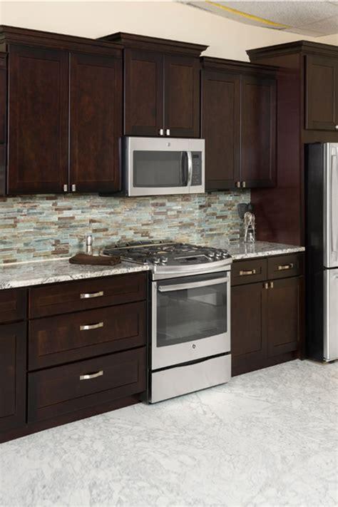 shaker espresso kitchen cabinets espresso shaker heritage classic cabinets 5157