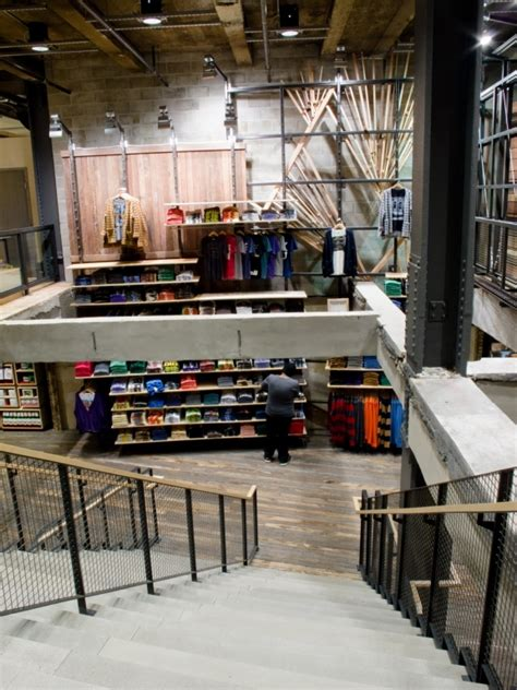 Urban Outfitters New York | VMSD