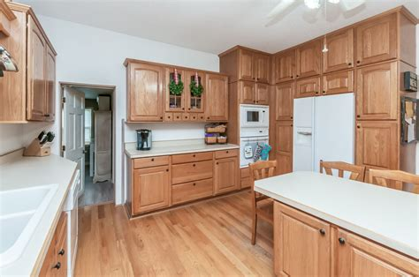 country kitchen pictures home in cedar rapids new acreage listing 3623 east otter 7066