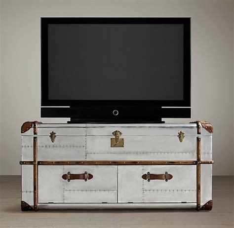 fauteuil bureau design pas cher meuble tv vintage le manque de luxe est parfois le luxe