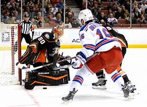 How badly does Ilya Bryzgalov need a win for the Ducks ...