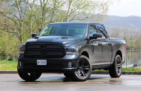 pickup review  ram  hemi black sport crewcab
