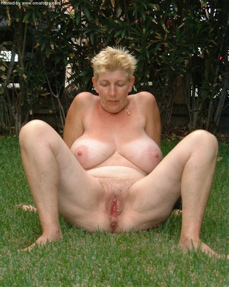 busty granny mature porn photo