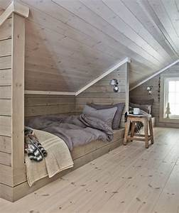 10 idees deco d39amenagement pour combles habitatpresto for Idee deco cuisine avec lits jumeaux