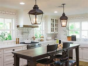 Fixer Upper Küche : photos hgtv 39 s fixer upper with chip and joanna gaines hgtv laurel house pinterest ~ Markanthonyermac.com Haus und Dekorationen