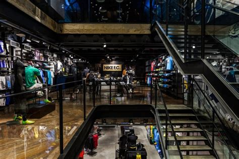nike football  store rio de janeiro brazil retail