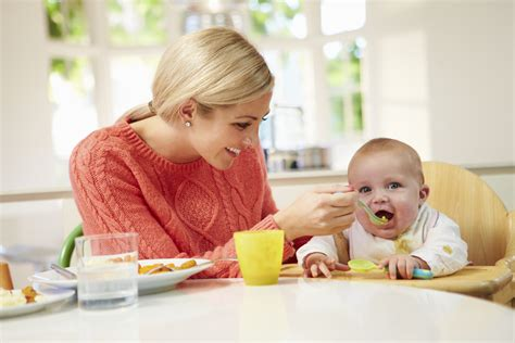 What Foods Can A 7 Month Old Baby Eat And How Much How