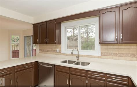 Painting Kitchen Cupboard by Painted Kitchen Cabinets After 6 Realtor Cabinet