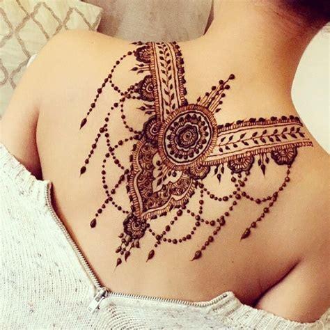 Tatouage Henné Dos