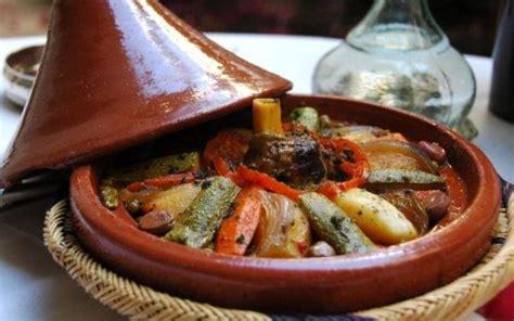 cuisiner avec un tajine en terre cuite recettes argan maroc bio agadir morocco