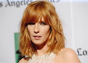 Kelly Reilly Medium Wavy Cut with Bangs - Kelly Reilly ...