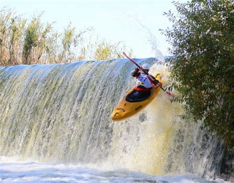 kayaking   placesnearmenow