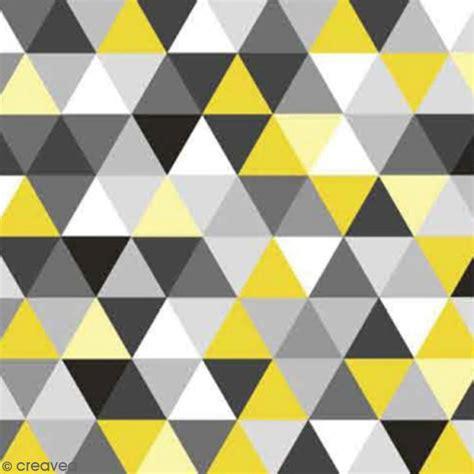 cuisine noir et bois serviette à l 39 unité triangles jaune et gris serviette