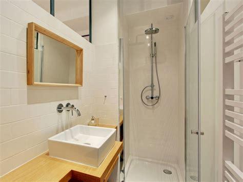 petits espaces  mini salles de bains parfaitement