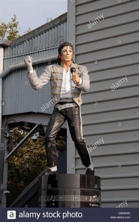 Craven Cottage Michael Jackson The Michael Jackson Fulham Statue Inside Craven Cottage