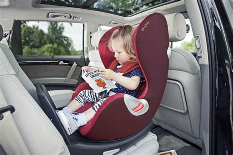siege auto comment choisir bien choisir siège auto entre rear facing et bouclier