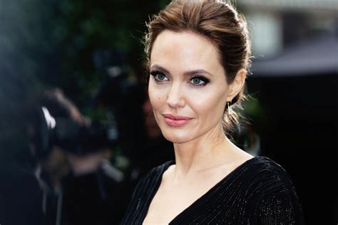 Angelina Jolie Photo Background | HD Wallpapers