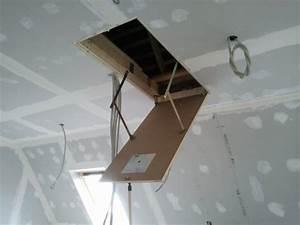 Trappe D Accès Comble : 13 avril 2012 trappe d 39 acc s aux combles notre maison mikit dans le morbihan ~ Melissatoandfro.com Idées de Décoration