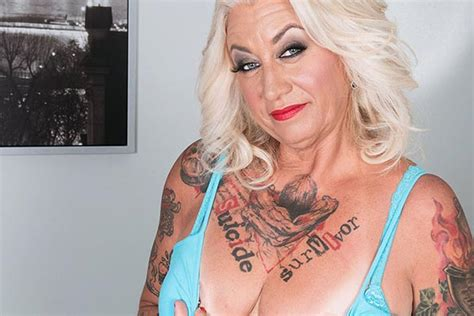 Tattooed Milf Amelia Mack Craves For Younger Lover