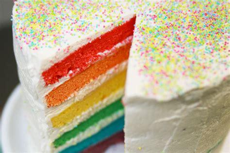 recette du rainbow cake ou gâteau arc en ciel facile avec