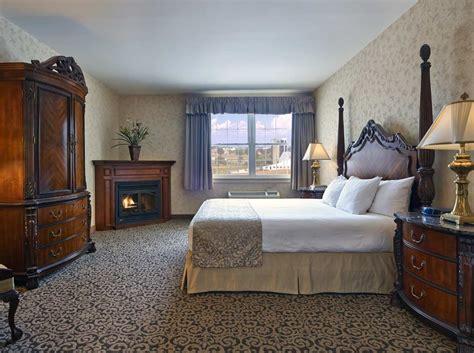 bedroom suites rooms suites amishview inn suites