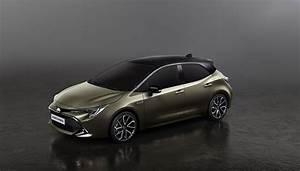 Toyota Auris Design : h het is de nieuwe toyota auris ~ Medecine-chirurgie-esthetiques.com Avis de Voitures