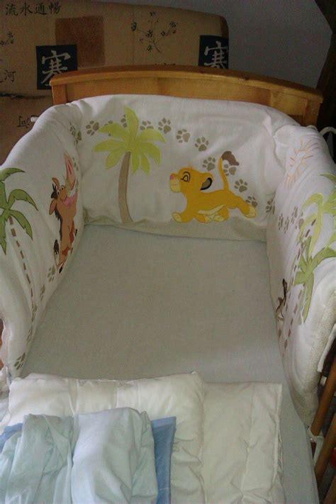 chambre au mois tour de lit bebe roi 28 images tour de lit b 233 b 233