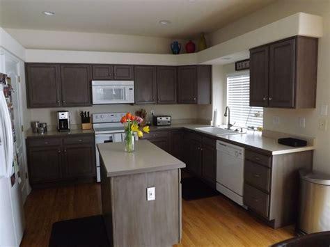 rustoleum kitchen cabinet transformation kit diy kitchen cabinet reno we used rustoleum cabinet 7851