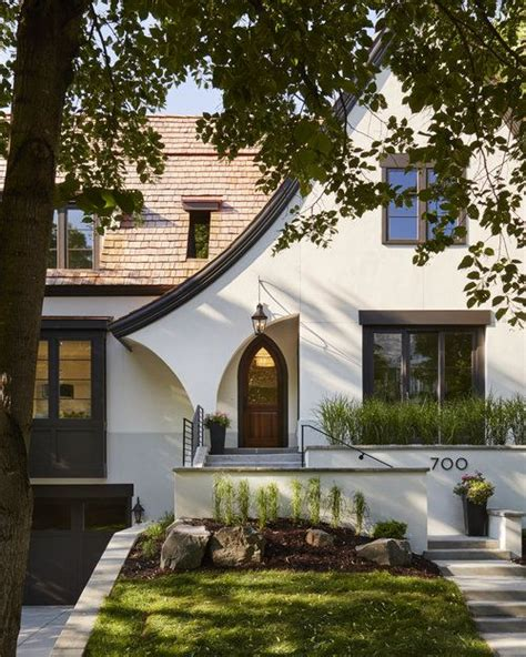 25 best ideas about tudor house exterior on pinterest
