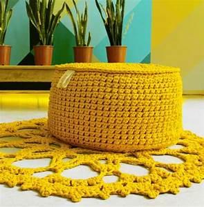 Pouf Tricot Jaune : le pouf au crochet confort et beaut la maison ~ Teatrodelosmanantiales.com Idées de Décoration