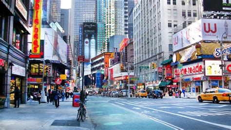 Downtown Street In New York Editorial Stock Image
