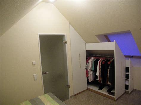 Schlafzimmer Unter Dachschräge schlafzimmer einbauschrank unter dachschr 228 ge mit