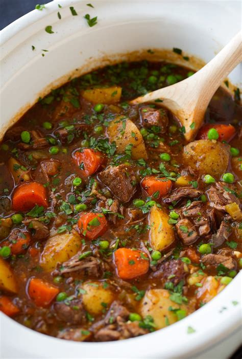 slow cooker beef stew cooking