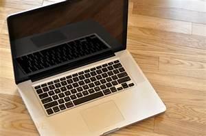 MacBook Pro 2009 open - MacBook Pro 2009 unboxing | Full ...