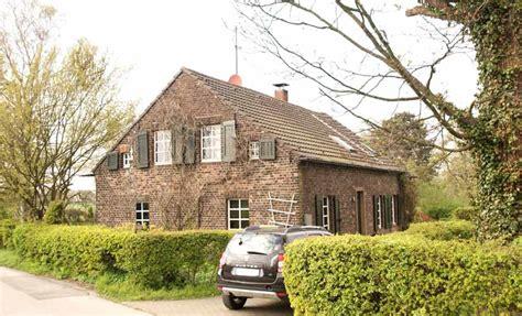 Häuser Kaufen Duisburg Süd by Zum Tr 228 Umen M 228 Rchenhaftes Bauernhaus An Den Rheinauen Du