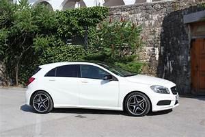 Mercedes Classe C Blanche : essai vid o nouvelle mercedes classe a elle vise le triple a ~ Gottalentnigeria.com Avis de Voitures