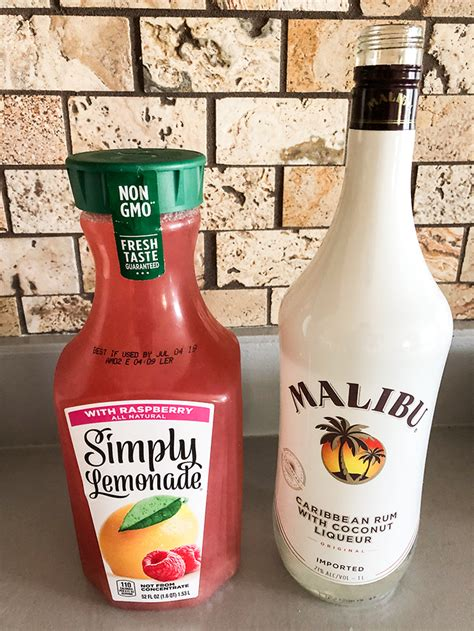 Garnish with a lime wedge. Low Calorie Malibu Rum Drink Recipes | Besto Blog