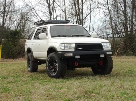 toyota 4runner lifted anyone have pics of white 3rd gen with black bumpers