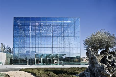The rise in laminated glass - Adding safety and durability