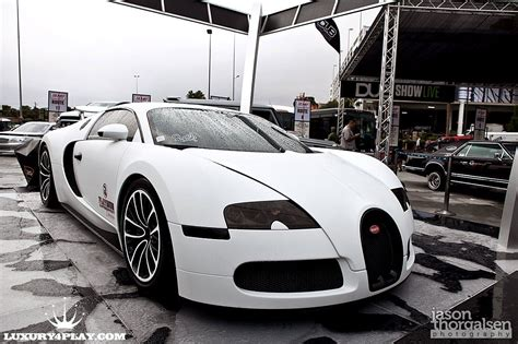 The classic enthusiast collector like ralph lauren with his. Oh what I would do for a car like this..... | Bugatti veyron, Bugatti, Hot cars