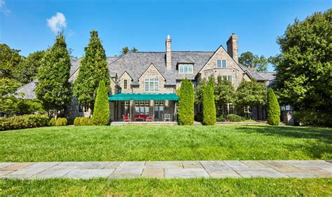 square foot english manor  newtown square pa