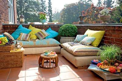 Wohnung Orientalisch Einrichten by Orientalisch Einrichten Orientalische Kissen Auf Dem