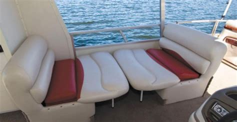 Sleeping On A Pontoon Boat by Sun Tracker Hut 30 2011 2011 Reviews Performance